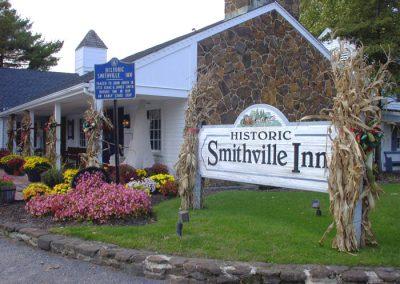 Smithville Inn Exterior